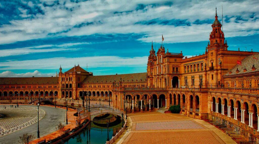 cuanto tiempo puedo vivir en España sin residencia